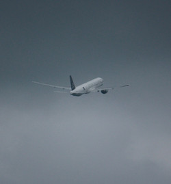 12100201plane